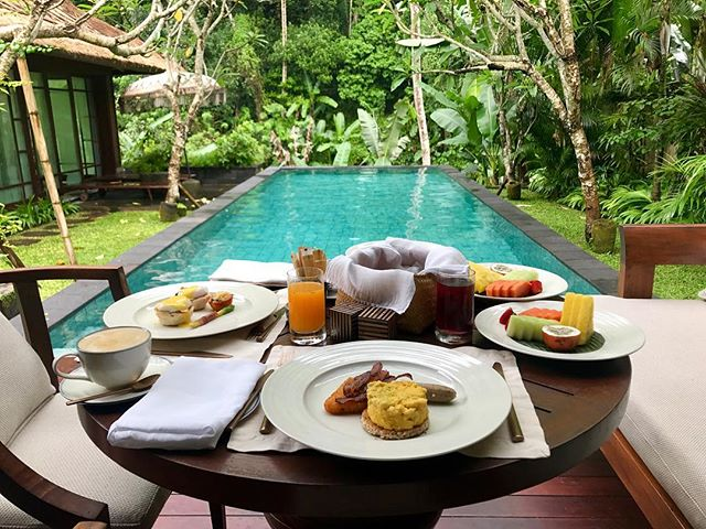 A jungle view and the sounds of the Ayung River below are the perfect way to enjoy breakfast at @mandapareserve in Ubud, Bali. What amazing destinations have provided you with a stunning breakfast view? Tag us and let us know! 📸@hotelwhisperer