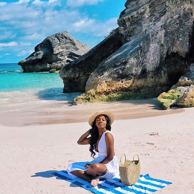 Mondays are better in @bermuda. 📷: @theufuoma #luxelifeadventures #liveadventurously