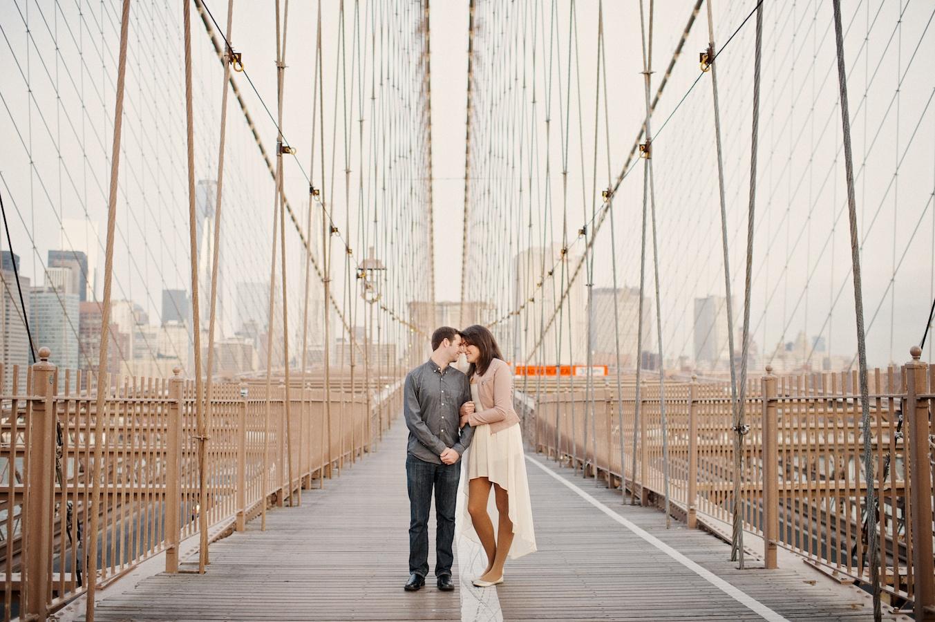 BrooklynBridgeEngagementPhotographer 01