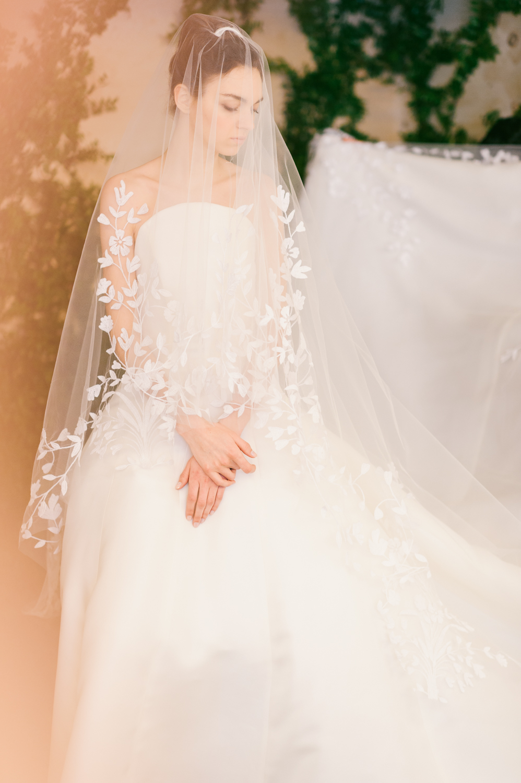 CarolinaHerrera.Fall2016.Bridal.16.jpg