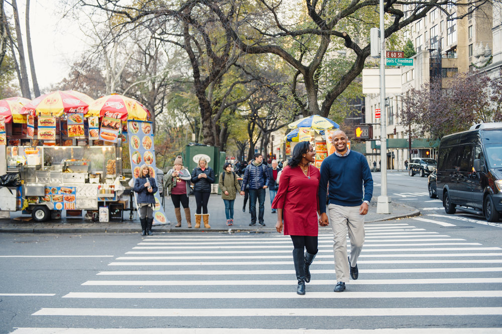 CentralPark.Manhattan.NYC.PlazaHotel.EngagementPhotos.2.jpg