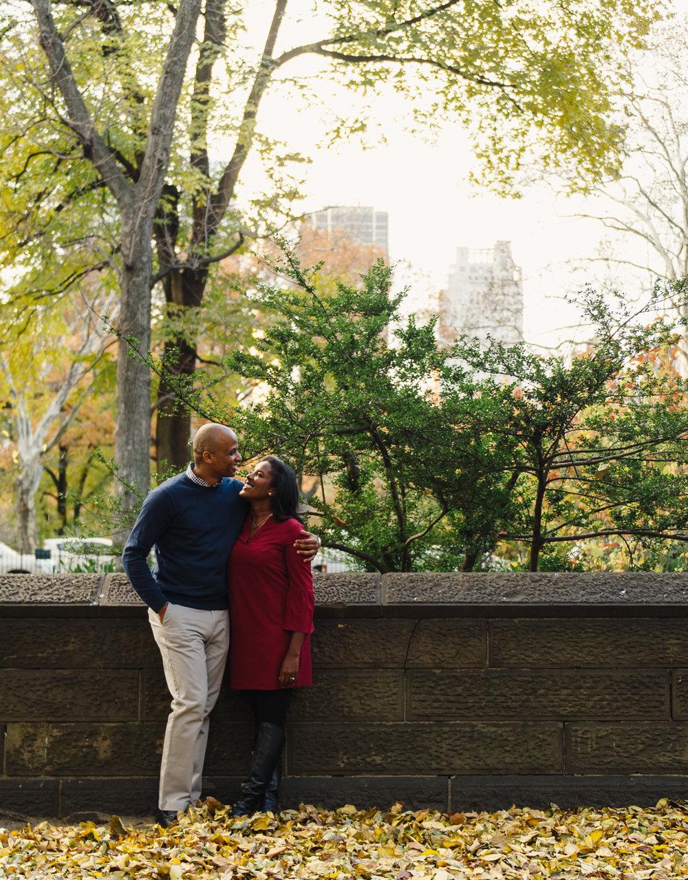 CentralPark.Manhattan.NYC.PlazaHotel.EngagementPhotos.3.jpg