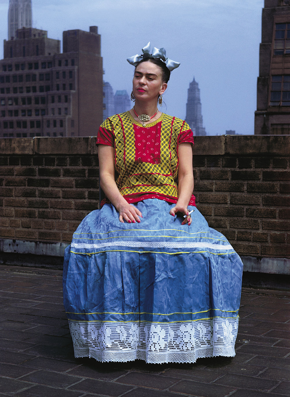 Nickolas Muray (1892-1965)  Frida, New York,  1946 color carbon print ©Nickolas Muray Photo Archives courtesy of Etherton Gallery