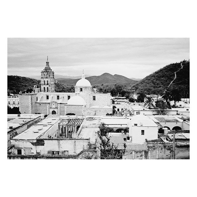 Standing on the rooftops of Alamos, Mexico. 📷: @puspaphoto / Read the full feature about this dreamy town, high in the mountains on the edge of Sonora, in ISSUE NO. 02 (link to purchase print copy in bio) 🖤 #territorymagazine #themodernejournalofthesouthwest