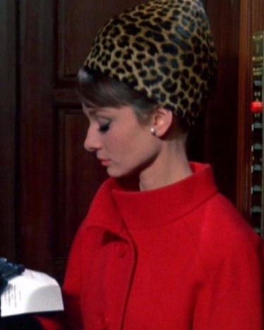 Audrey Hepburn Hat 1963.jpg
