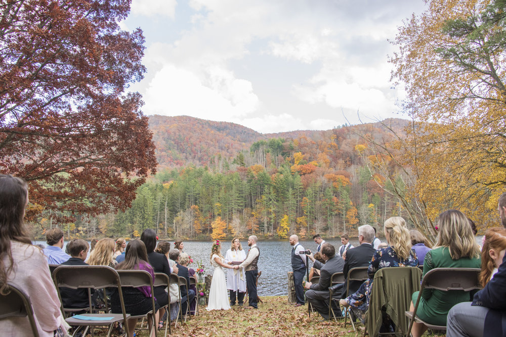 Lakeside Wedding at Sit 'n' Whittle