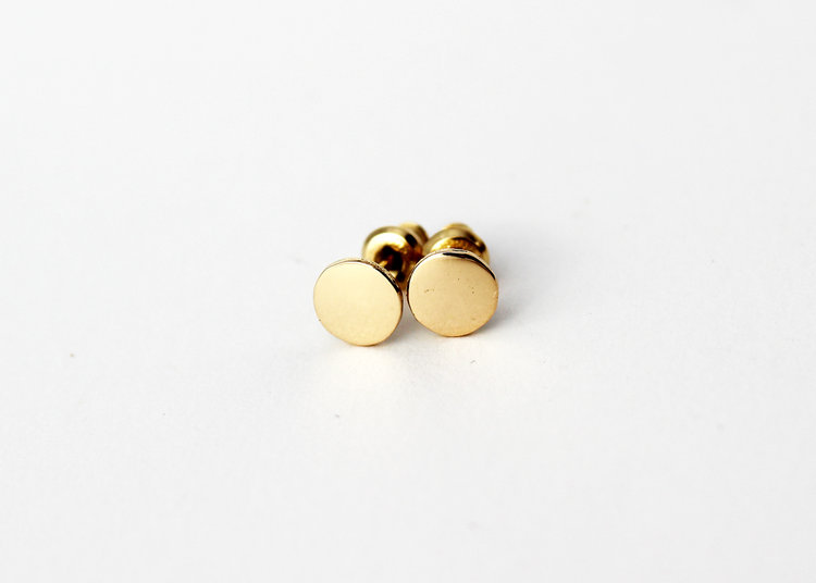 18k gold stud earrings. 18k gold studs. Small round solid gold studs ca257ea95