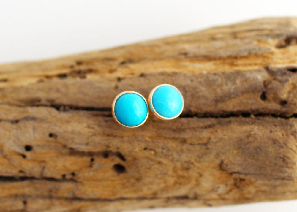 14k Gold turquoise stud earrings