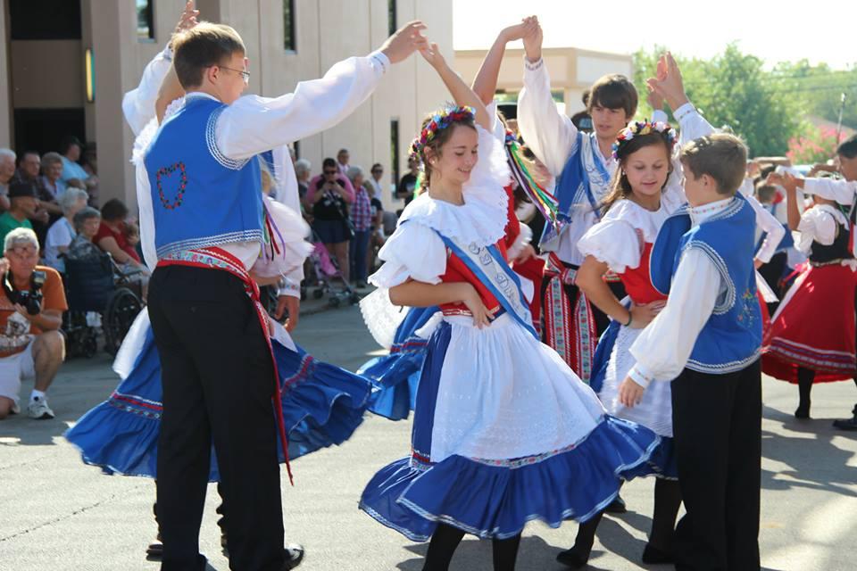 07 - Czech Dancers 6.jpg