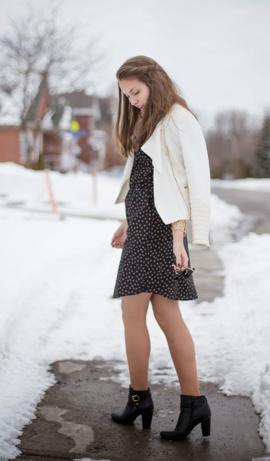 IamSandrine_Josiane_Perron_Black_and_Gold_Dress-4.jpg