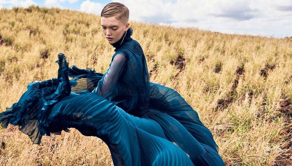 Vogue_China-September_2016-Ruth_Bell-by-Ryan_McGinley-01-1.jpg