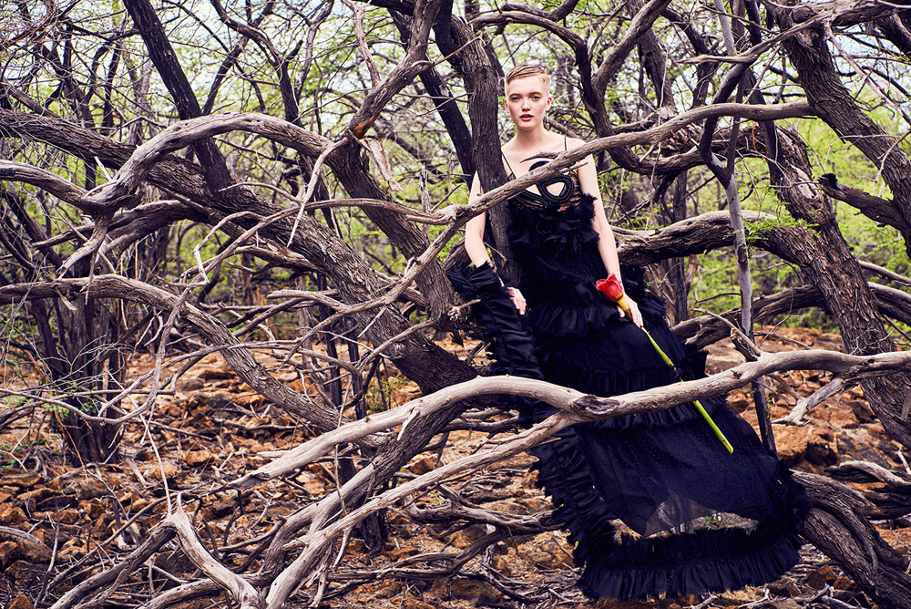 RUTH-BELL-by-RYAN-MCGINLEY-FOR-VOGUE-CHINA-SEPTEMBER-2016-ISSUE-10.jpg