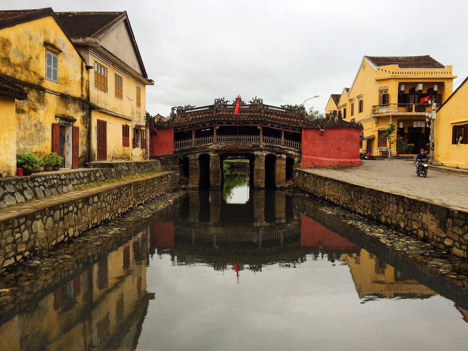 TRAVEL BACK IN TIME TO HOI AN