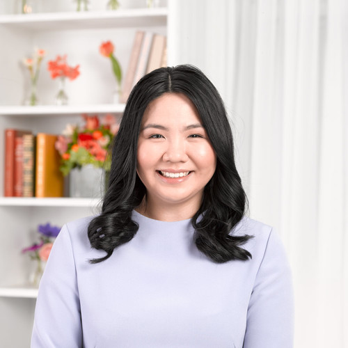 Celia Fung    EXECUTIVE ASSISTANT