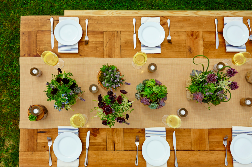Dinner Party With Greenery - B Floral