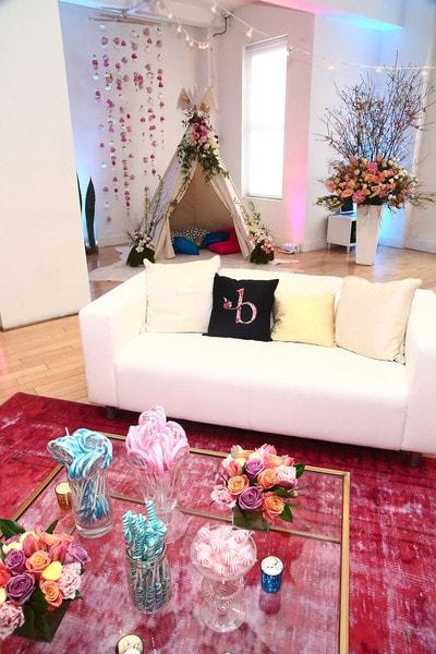 B+Floral+Bronwen+Smith+Bravo+TV+Carole+Radziwill+AXRHqppEnCLl-1-min.jpg