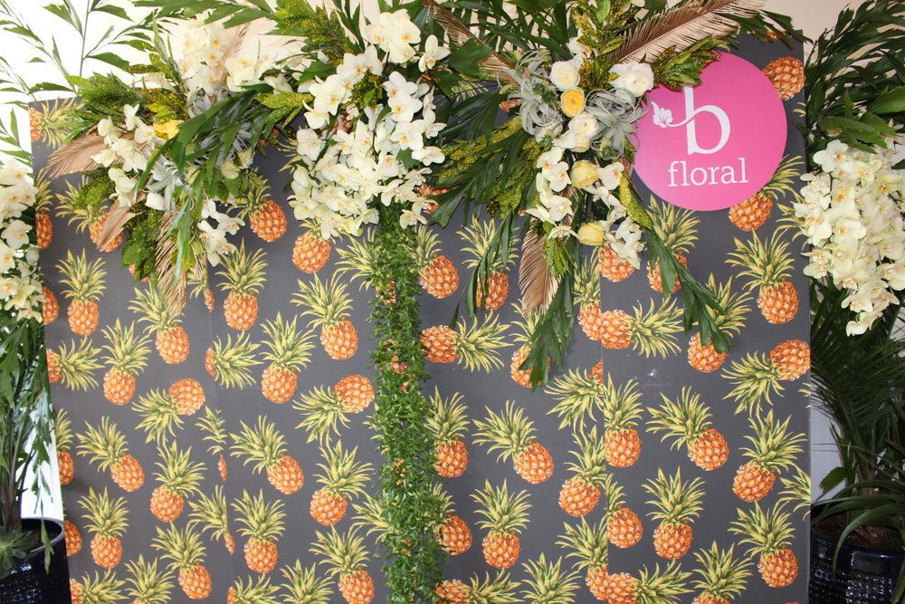 Pineapple Print Step and Repeat -B Floral
