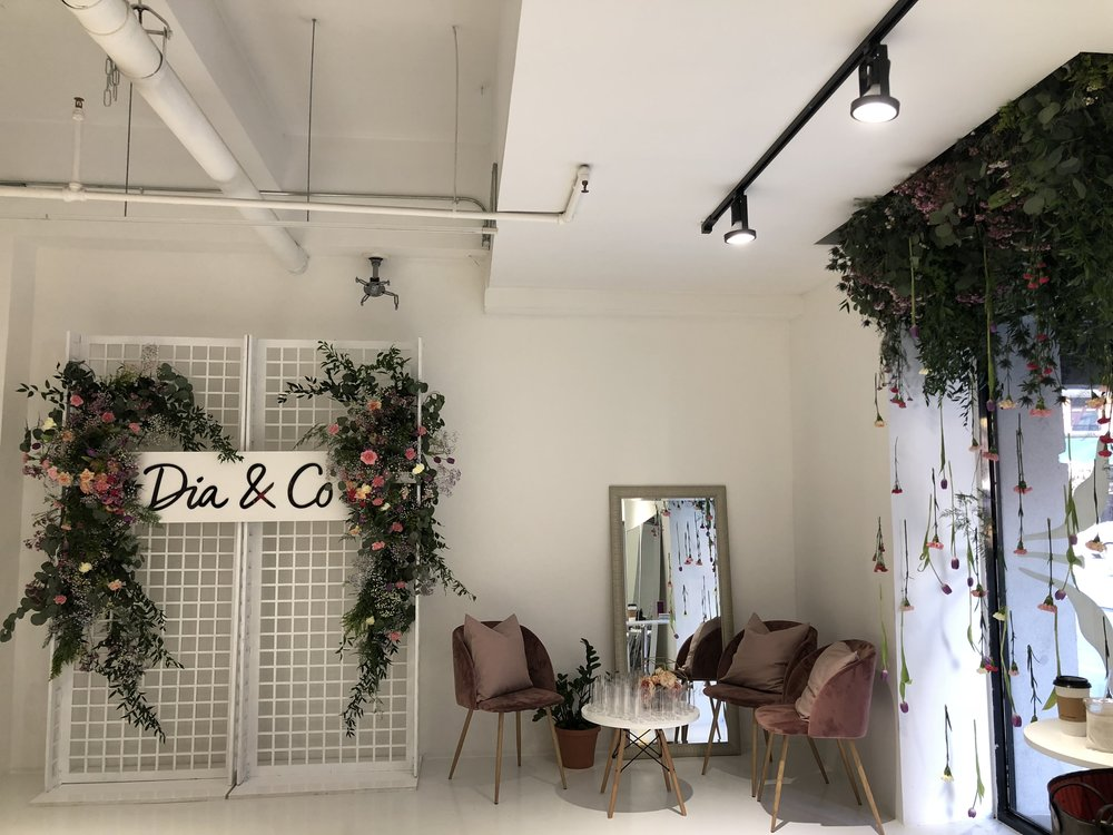 Dia & Co Pop-up Lounge- B Floral