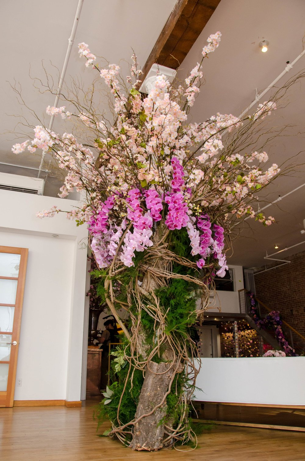 Greenery And Floral Covered Column- B Floral