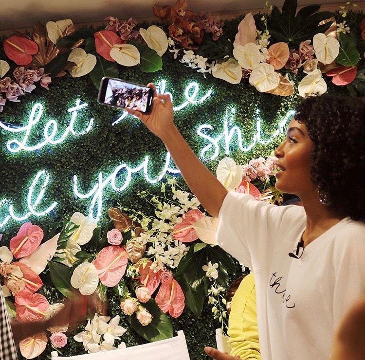 Aerie & Yara Shahidi Photo Moment- B Floral