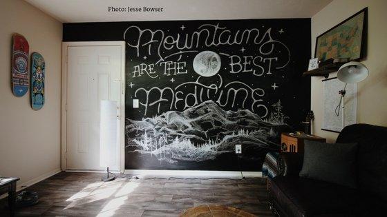 teen_bedroom_organization_blog_wall_display