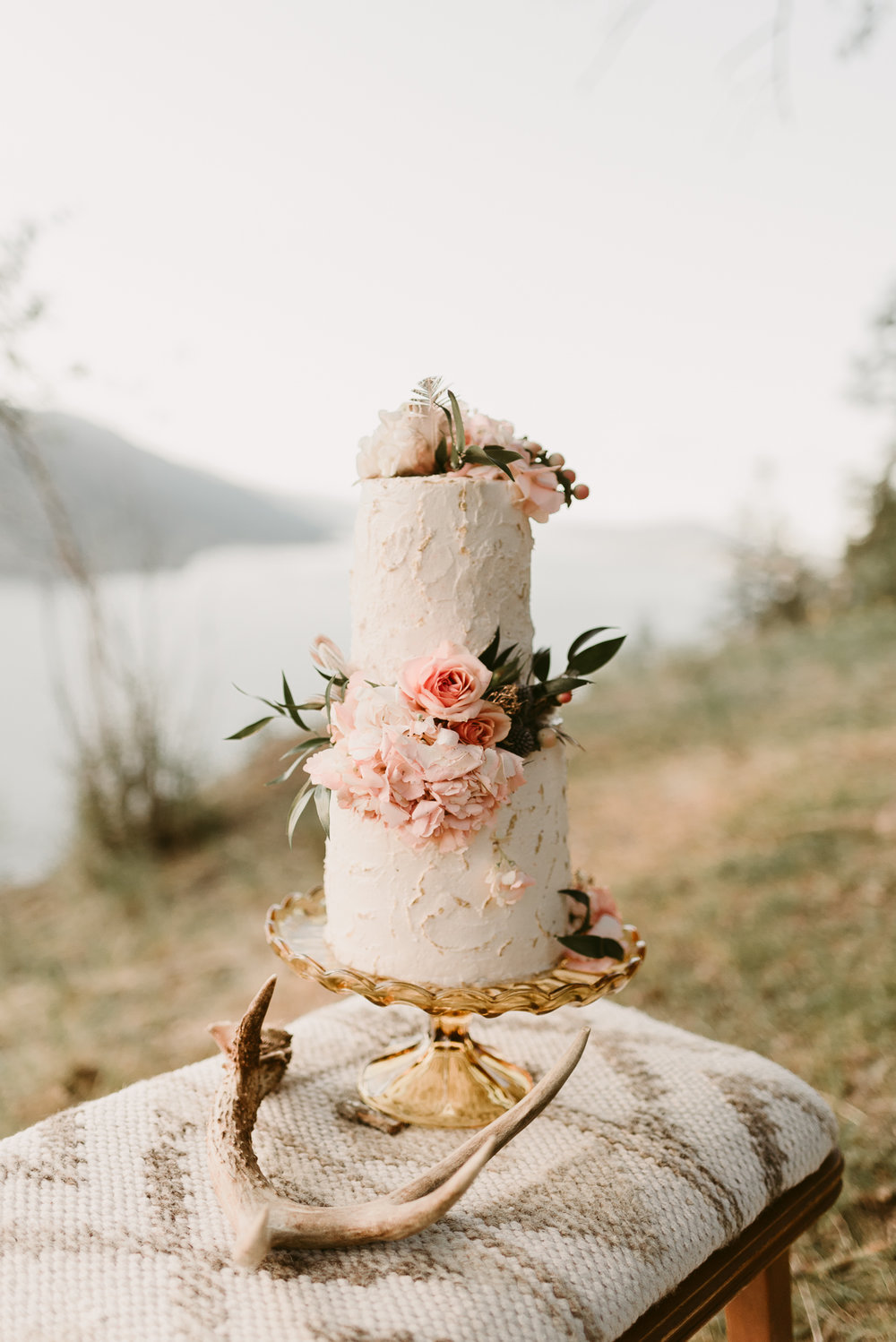 Styled Mountain Elopement-WEBSIZE-28.jpg