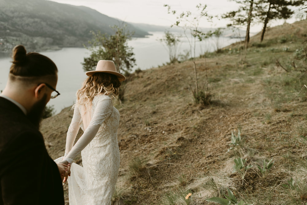 Styled Mountain Elopement-WEBSIZE-77.jpg