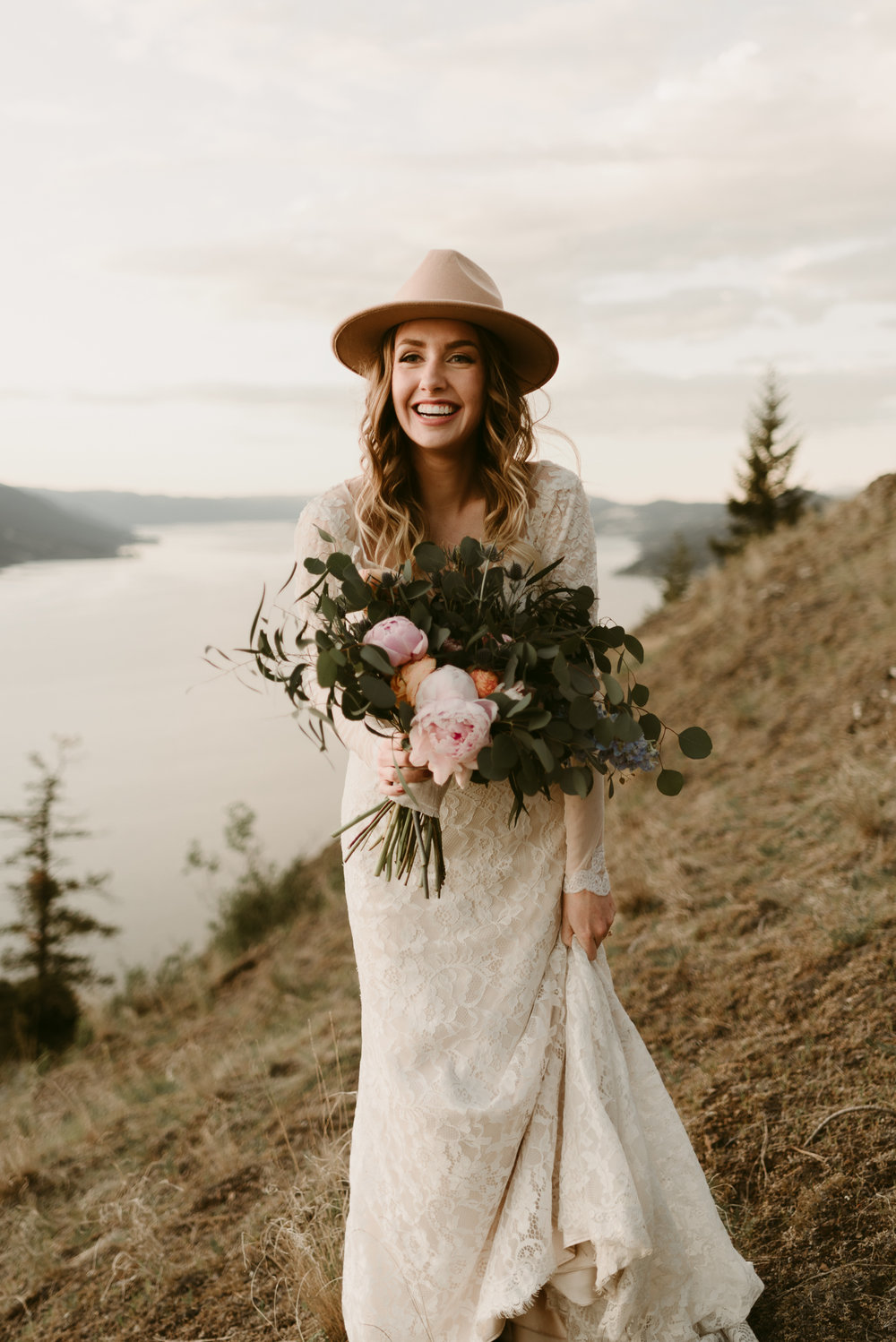 Styled Mountain Elopement-WEBSIZE-124.jpg