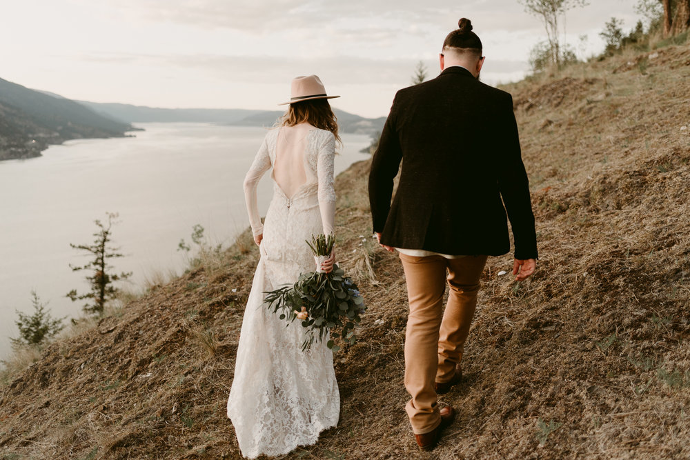 Styled Mountain Elopement-WEBSIZE-149.jpg