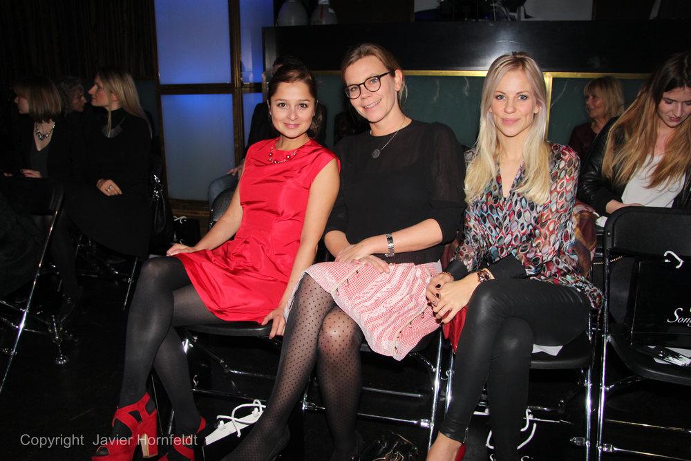 Schauspielerin Sarah Alles mit Freundin und Moderatorin Romina Becks