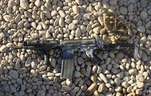 FN FAL with light