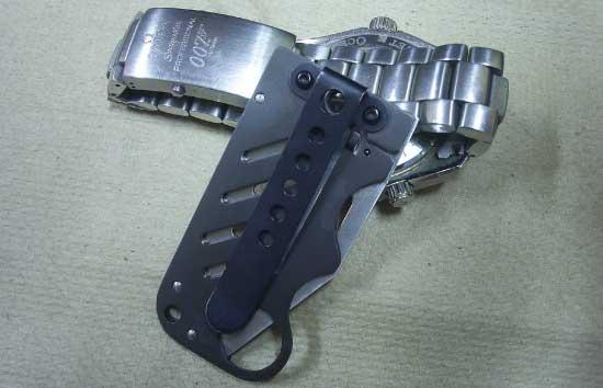 Boker-Plus-Credit-Card-Knife-folded-rear