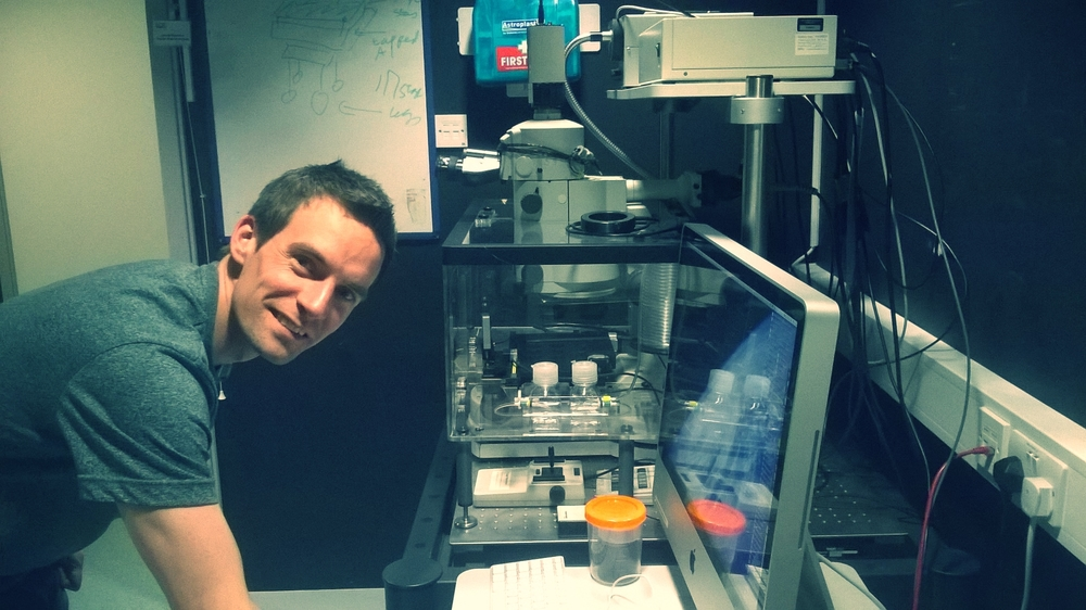 Matt Pearson  is a Light Microscopy application specialist. He supports the four Confocals and Super-resolution systems and is on hand if equipment breaks down. If you are very stuck and Laura's not around he can help with Bioimage analysis as well.