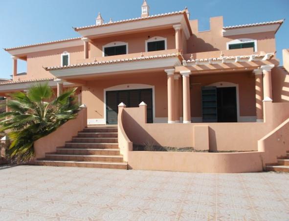 villa for sale in Atalaia (1).jpg