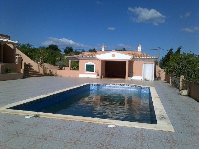 villa for sale in Atalaia (3).jpg