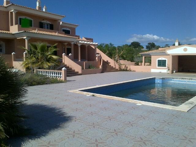 villa for sale in Atalaia (2).jpg