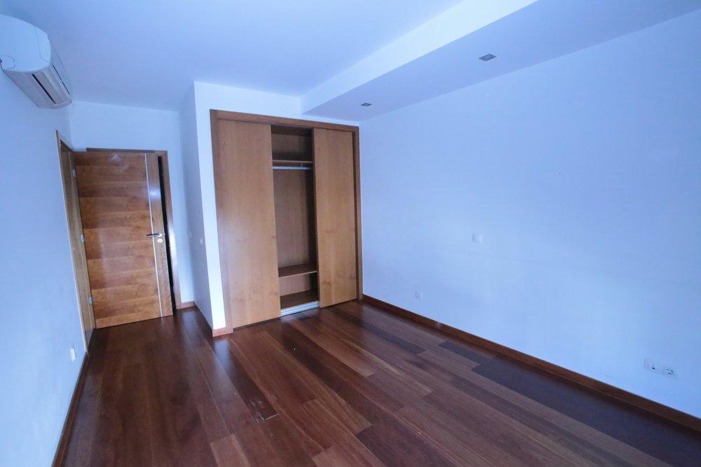 Baia da Luz T2 bedroom.JPG