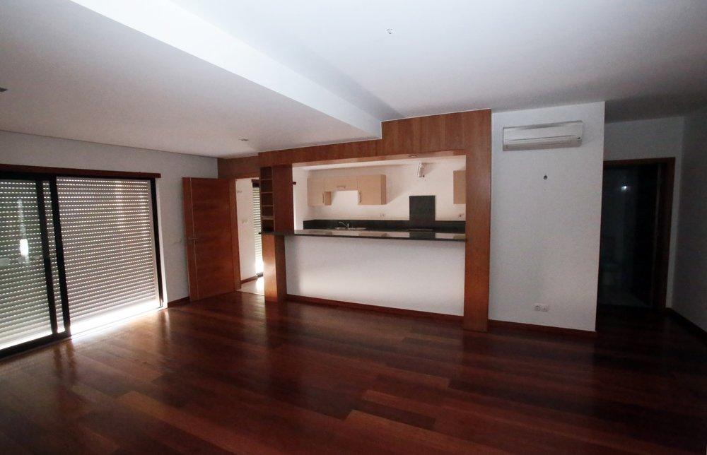 Baia da Luz T2 kitchen.JPG