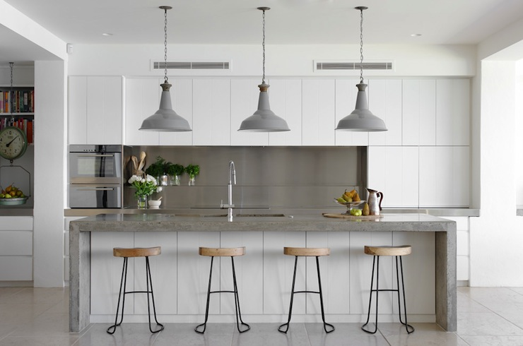 JUSTINE HUGH-JONES DESIGN'S INDUSTRIAL KITCHEN