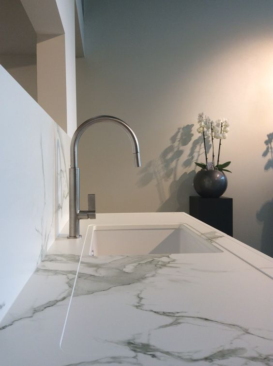 DEKTON AURA WORKTOP AND SPLASHBACK