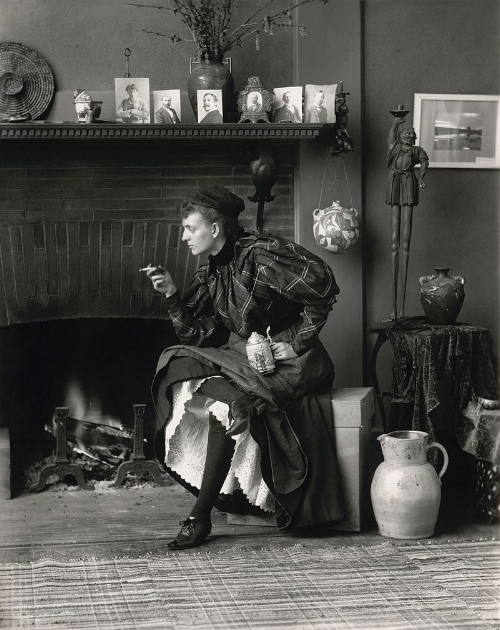 Frances_Benjamin_Johnston,_Self-Portrait_(as_-New_Woman-),_1896.jpg