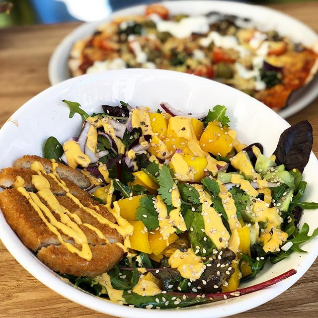 Yummy! Lecker Rainbow Boul im @froindlichst 😍  #vegan #yummy #food #healthyfood #ottensen #hamburg