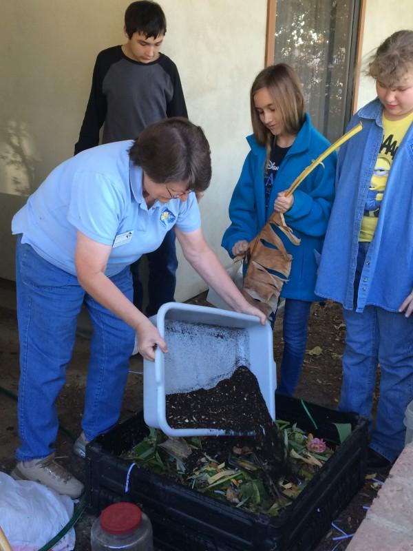Composting-w-4H-pgm-e1442367193326.jpg