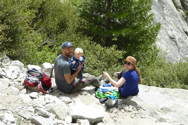 "This family extended hospitality to Francois during his time in Yosemite. The caption from his website reads ""on peut randonner à tout âge."" Translated, the phrase means ""you can hike at any age."" Photo: [http://velo.hennebert.fr/][0]"