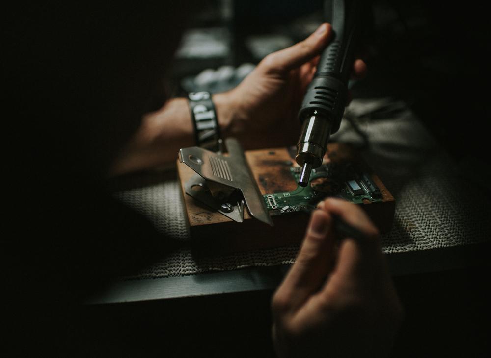 Fixing a pcb
