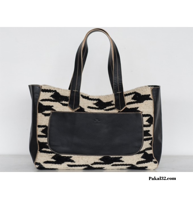 Albán Houndstooth Handbag ($220)