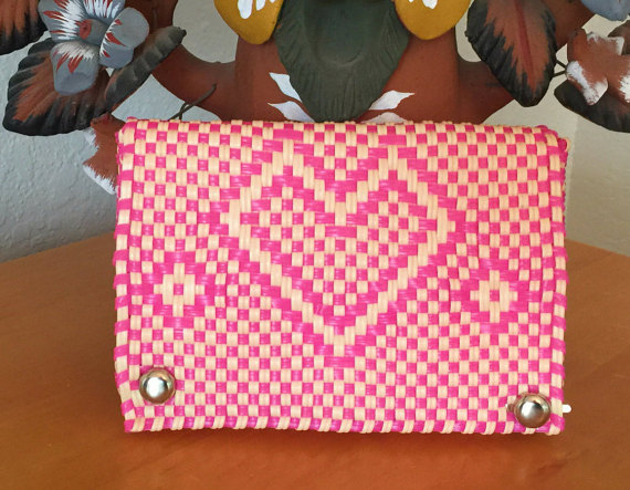 SpiralSpiral    Small Pink Oaxaca Clutch // $18.00