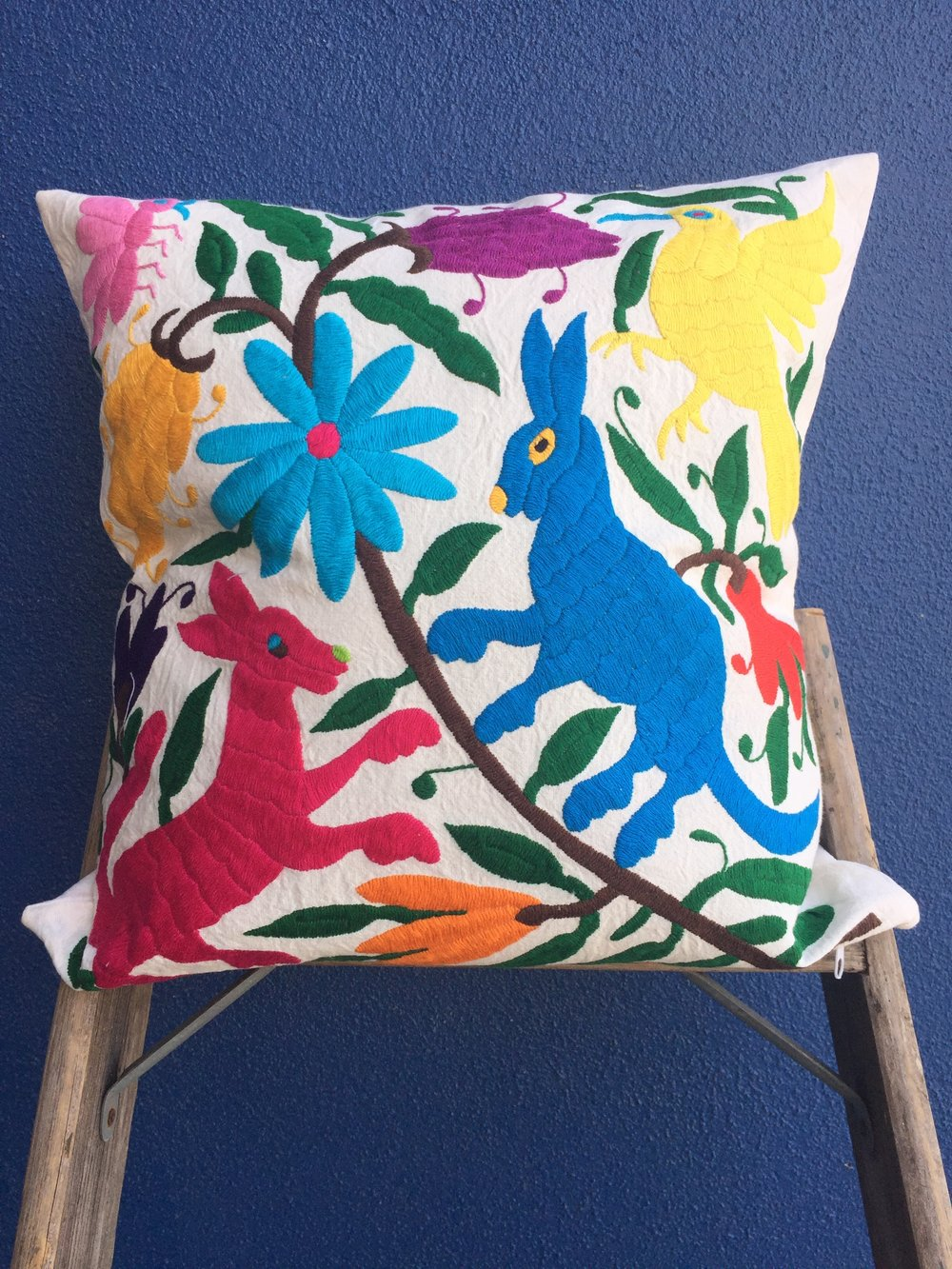 Dos Damas Otomi Throw Pillow // $80.00