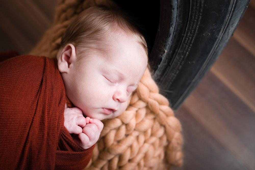 Newborn40NaomiLuciennePhotography042018-Edit.jpg