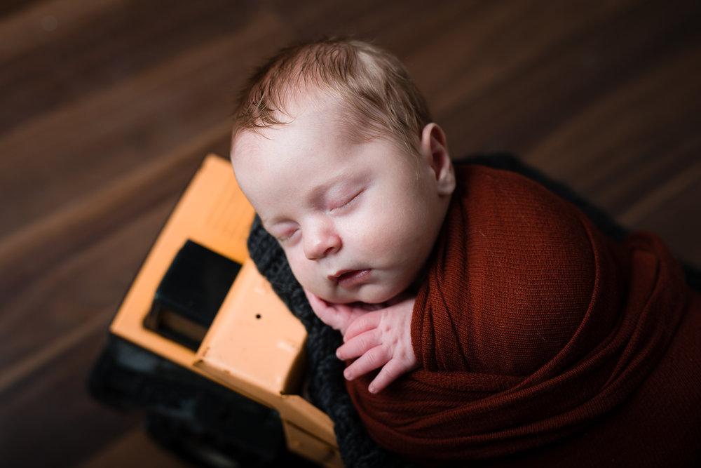 Newborn124NaomiLuciennePhotography042018-Edit.jpg